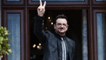 Bono hace campaña contra la probeza en Berlin